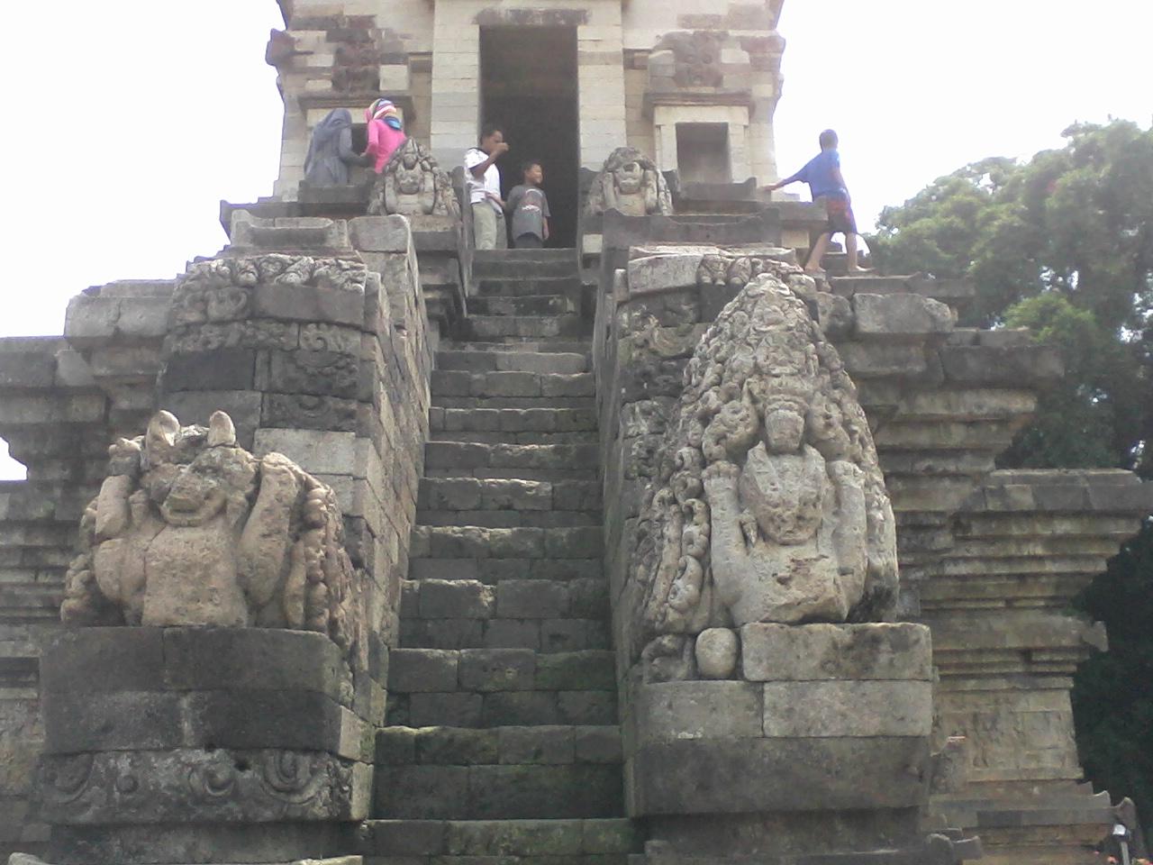 Madura Van Cianjur Candi Jawi Pandaan Pasuruan Kab