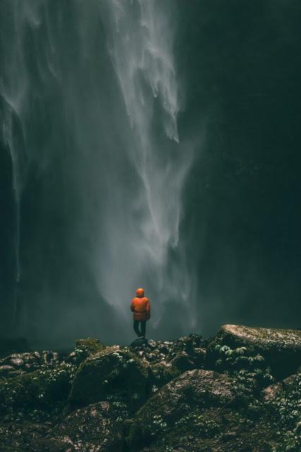 Air Terjun Berbahaya Bisa Bayangkan Berapa Besarnya Tersebut Perbadingan Manusia