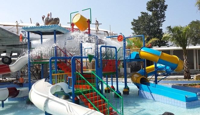 5 Tempat Wisata Keluarga Pasuruan Traveling Yuk Taman Air Saygon