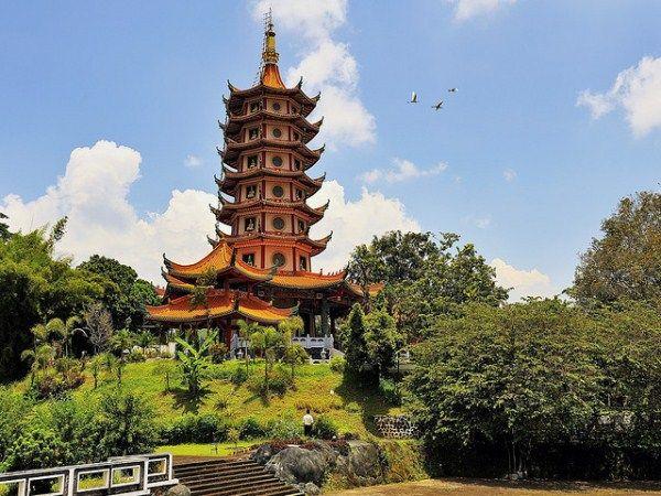 Cina Korea Luar Biasanya Pagoda Semarang Taman Air Saygon Kab