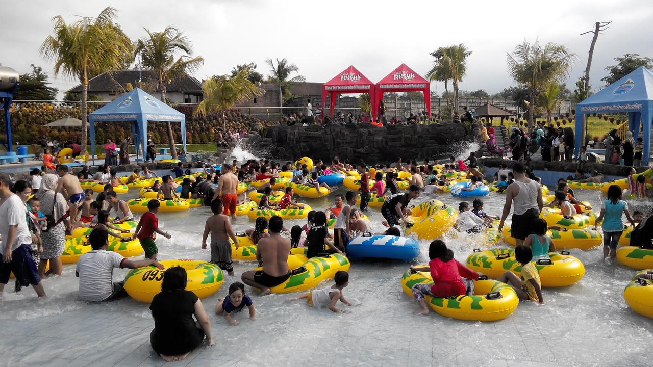 Ruang Berbagi Maen Air Saygon Water Park Pasuruan Kolam Ombak