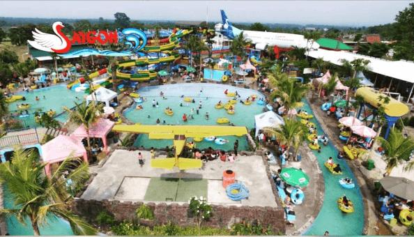 Saygon Waterpark Hadirkan Sensasi Berenang Bawah Pesawat Terbang Taman Air