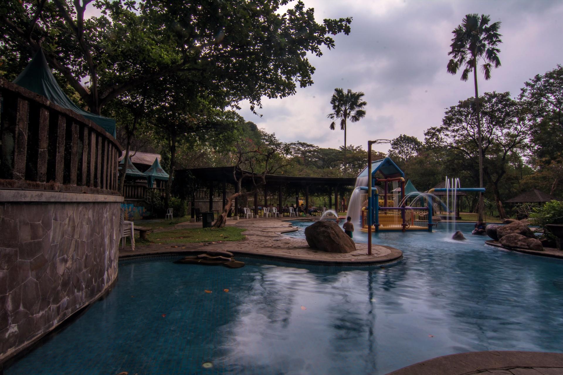 Taman Dayu Water Park Place Air Saygon Kab Pasuruan