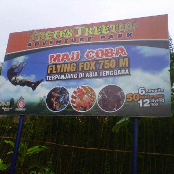 Fotos Bei Tretes Treetop Adventure Park Wanderweg Das Foto Wurde