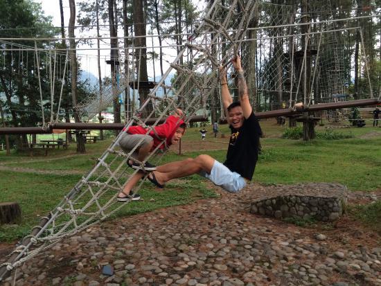Top 10 Royal Senyiur Hotel Pasuruan Tretes Treetop Adventure Park