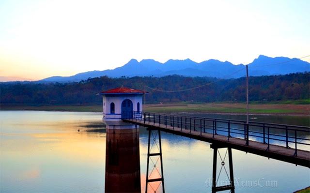 25 Tempat Wisata Kota Pati Populer Cakrawala Waduk Gunung Rowo