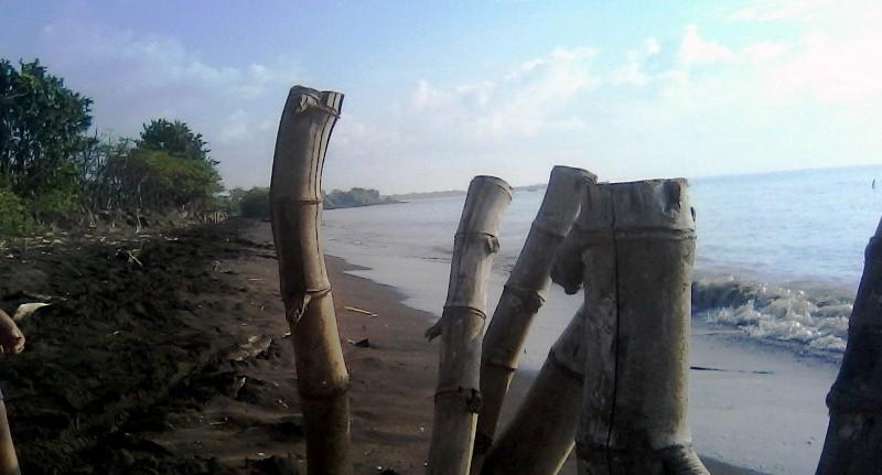 Menikmati Deburan Ombak Pantai Cinta Dukuh Selempung Dukuhseti Banyutowo Kab