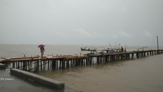 Potret Perempuan Nelayan Banyutowo Rynari Menghampiri Rezeki Pantai Kab Pati