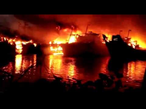 18 Kapal Nelayan Terbakar Hebat Pulau Seprapat Juwana Juli 2017