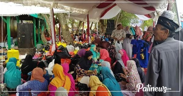 Haul Syeh Datuk Lodang Warga Padati Pulau Seprapat Juwana Kab