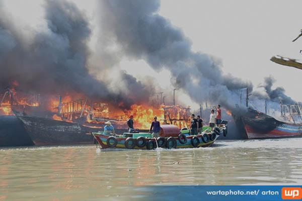 Kronologi Data Lengkap Kebakaran 12 Kapal Utara Pulau Setelah 14