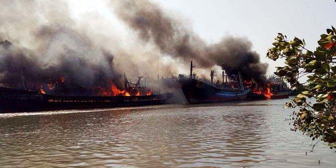 Salah Satu Kapal Terbakar Pulau Seprapat Milik Wakil Bupati Pati