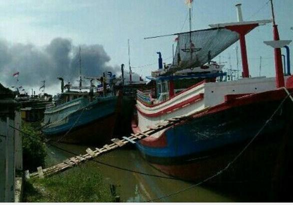 Sejumlah Kapal Terbakar Pulau Seprapat Juwana Beritapaticom Kab Pati