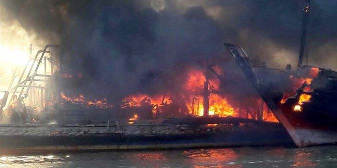 Tiga Korban Luka Kapal Terbakar Pati Nelayan Merdeka Pulau Seprapat