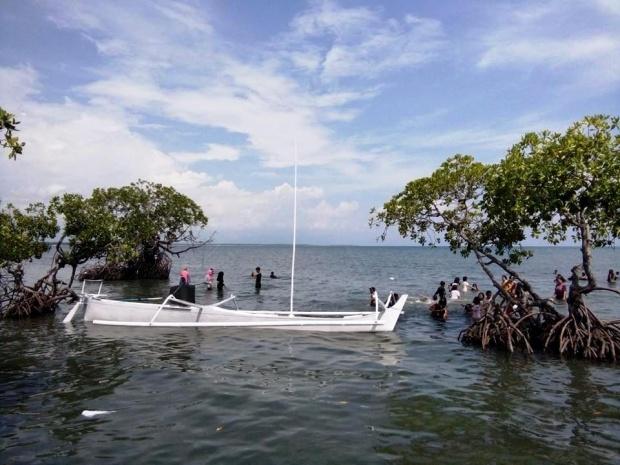 15 Tempat Wisata Sulawesi Barat Amabel Travel Pantai Gonda Kab