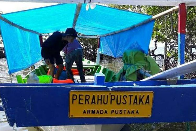 Kisah Perahu Pustaka Jelajahi Pesisir Sulawesi Anak Bisa Milik Armada