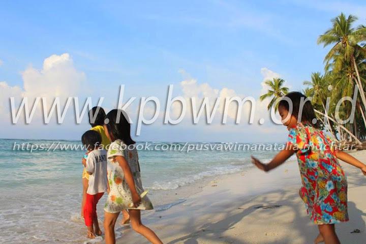 Pantai Palippis Sempurna Wisata Keluarga Polewali Labuang Kab Mandar