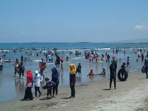 Pantai Mampie Ramai Pengunjung Hingga Luar Pulau News Kab Polewali