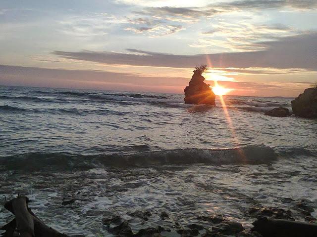 15 Tempat Wisata Sulawesi Barat Amabel Travel Pantai Palippis Labuang