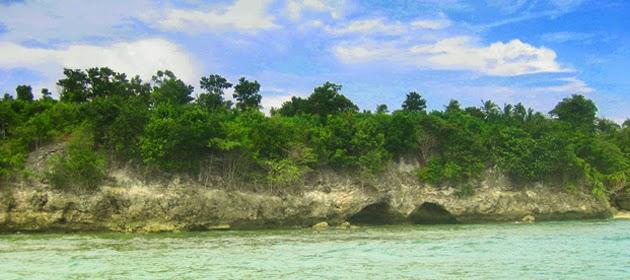 Foto Panorama Mandar Sulawesi Barat Mengagumkan Tebing Karang Pantai Palippis