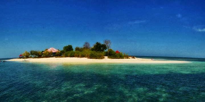 Indahnya 11 Tempat Wisata Sulawesi Barat Layak Kunjungi Pantai Palippis