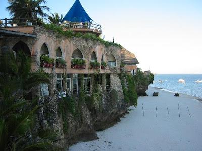 Pantai Sulawesi Barat Letaknya Tepat Berada Pusat Kota Polewali Ibu