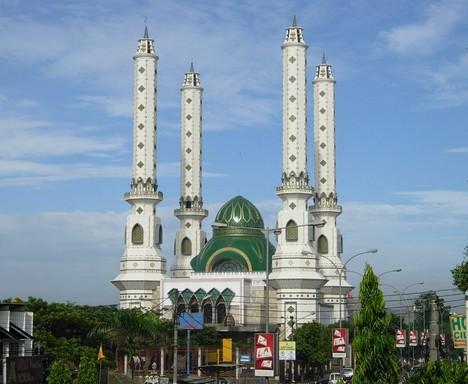 Daya Tarik Objek Wisata Masjid Agung Nurul Ikhlas Jombang Cilegon