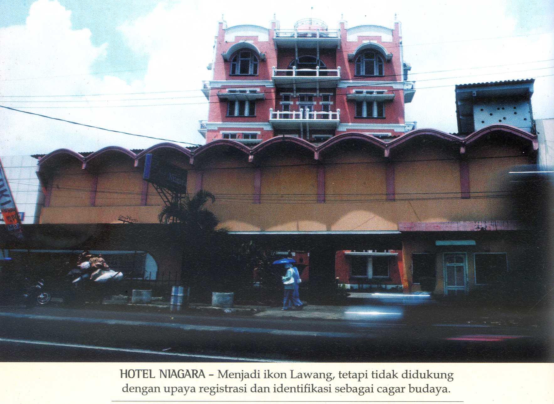 Kota Lawang Malang Pusaka Jawatimuran Kawasan Masjid Agung Kab Ponorogo