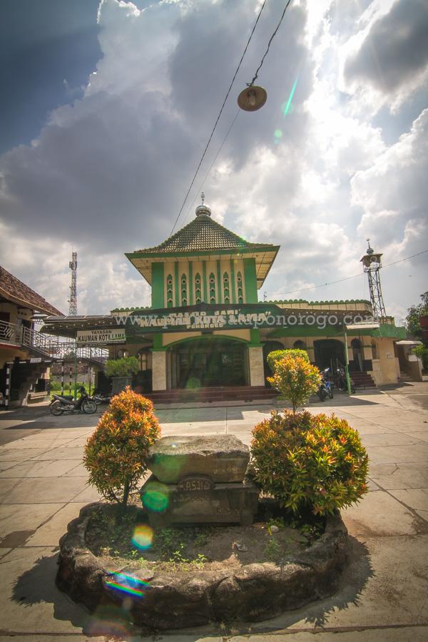 Masjid Agung Kauman Kota Ponorogo Wisata Indah Prasasti Kab