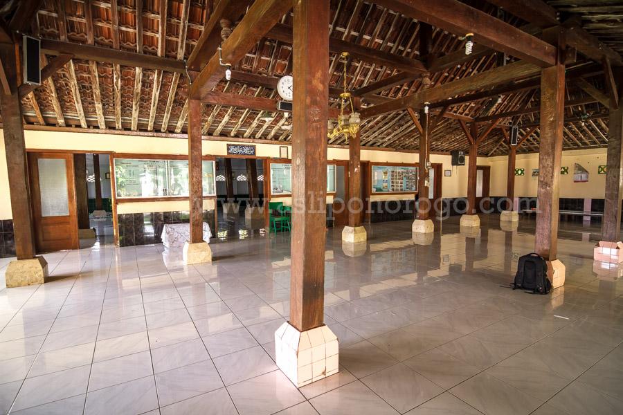 Masjid Agung Kota Kutho Wetan Ponorogo Www Asliponorogo Ruang Depan