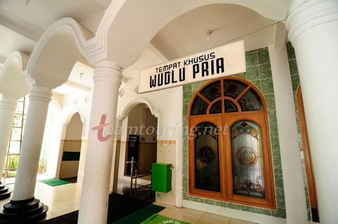 Masjid Agung Ponorogo Berpadunya Arsitektur Jaman Dulu Tempat Wudlu Pria