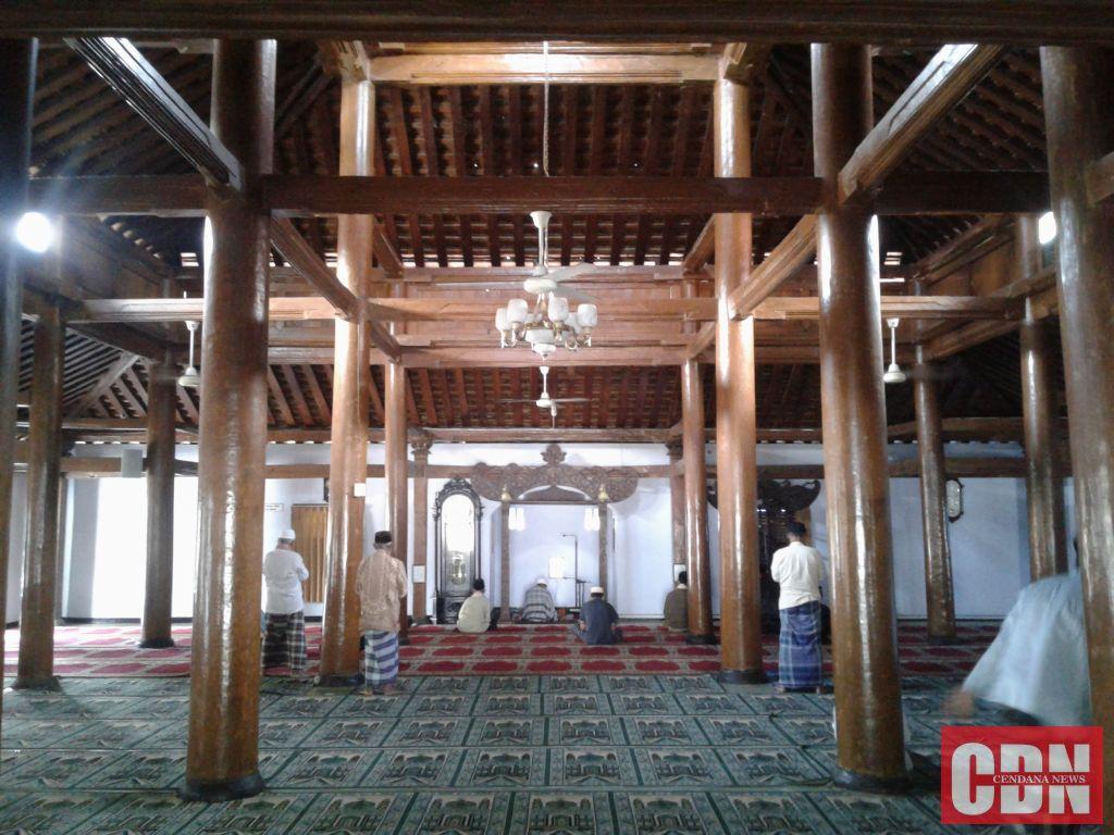 Bangunan Tertua Ponorogo Masjid Tegalsari Cendana News Interior Tetap Dipertahankan