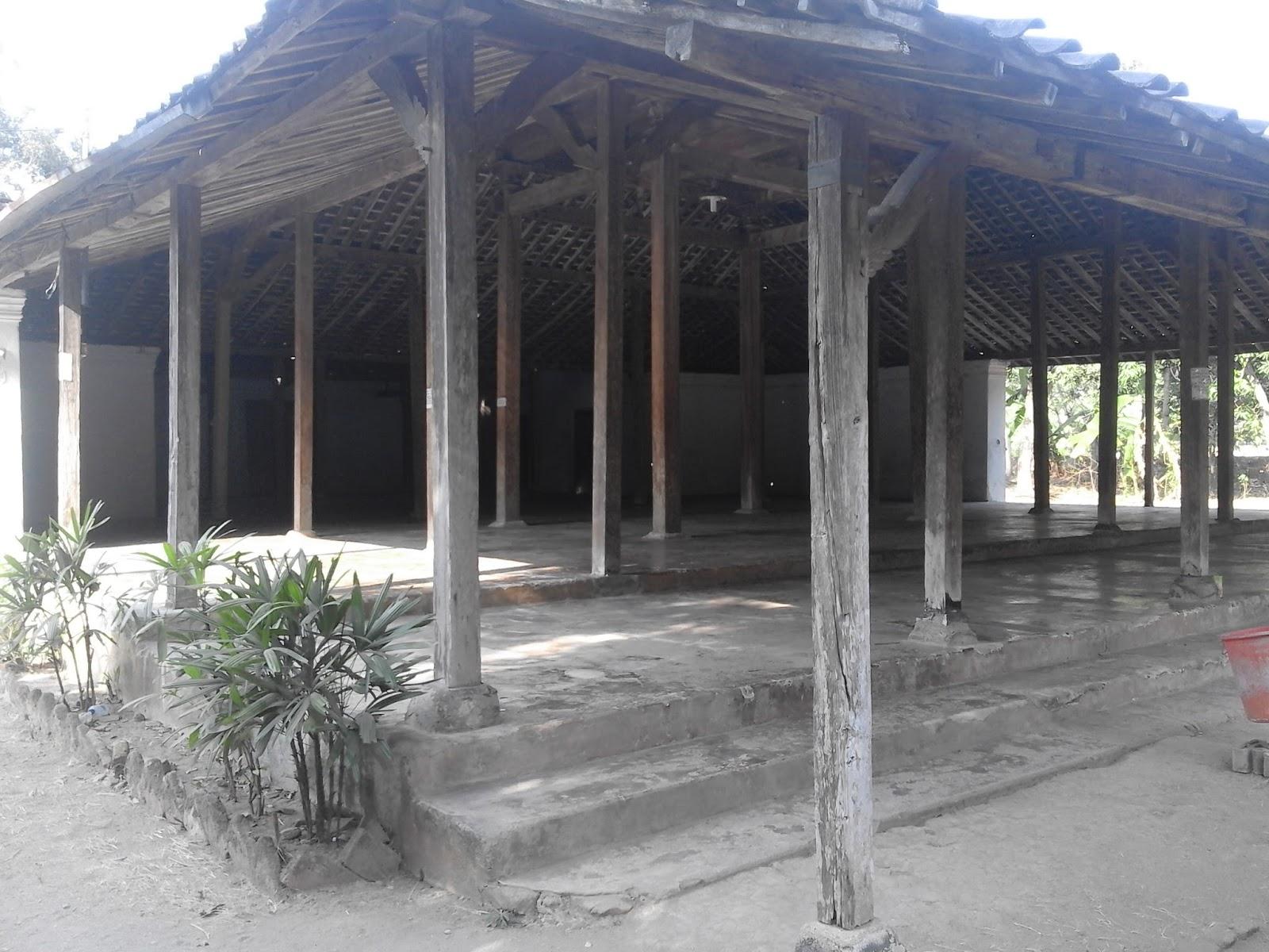Bhuvana Masjid Tegalsari Kab Ponorogo