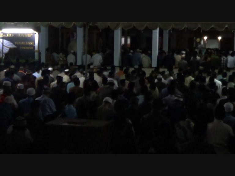 Masjid Tegal Sari Dipenuhi Ribuan Jamaah Sholat Lail Pojok Pitu