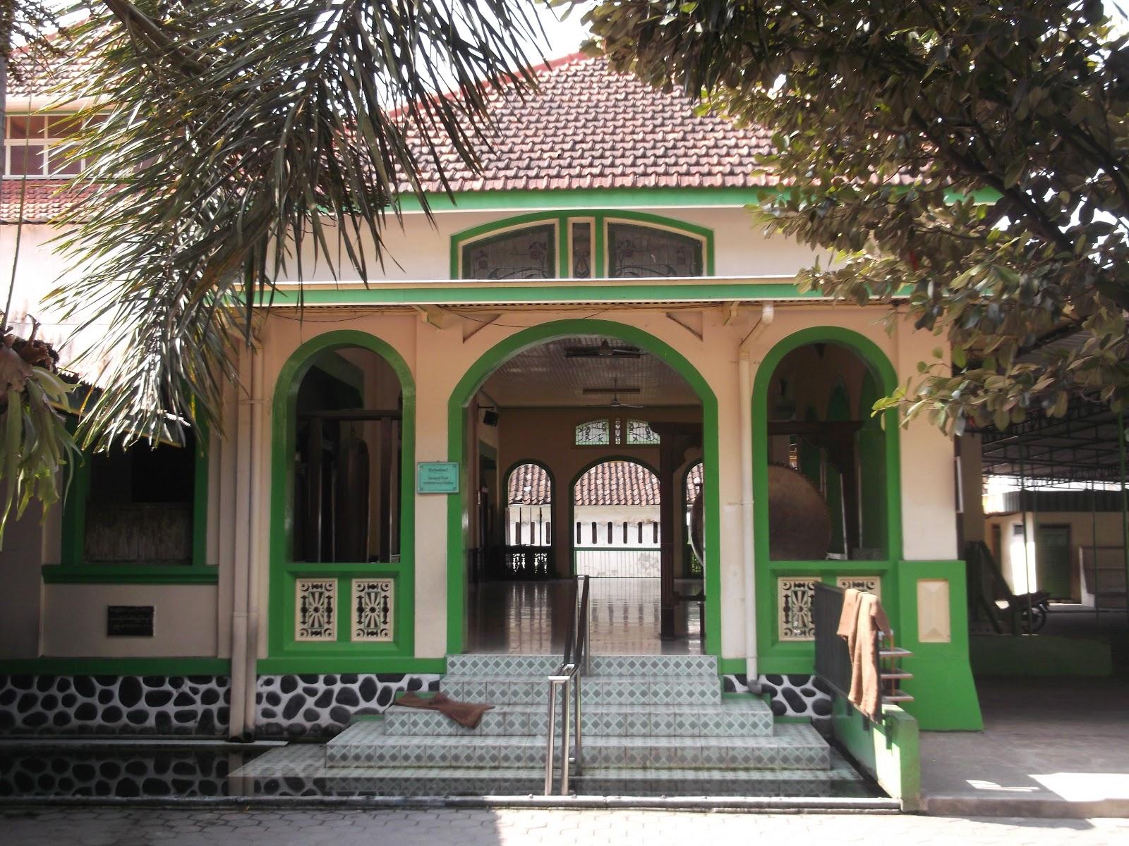 Masjid Tegalsari Surakarta Kekunaan Memiliki Luas Bangunan Sebesar 357 Panjang