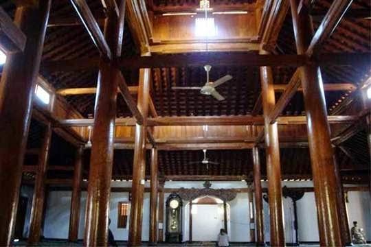 Nyuhandika Area Masjid Religius Ponorogo Terletak Desa Tegalsari Kecamatan Jetis
