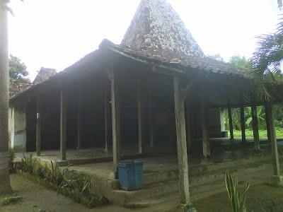 Wisata Religi Kab Ponorogo Masjid Tegalsari Vrci Salah Satu Tiang