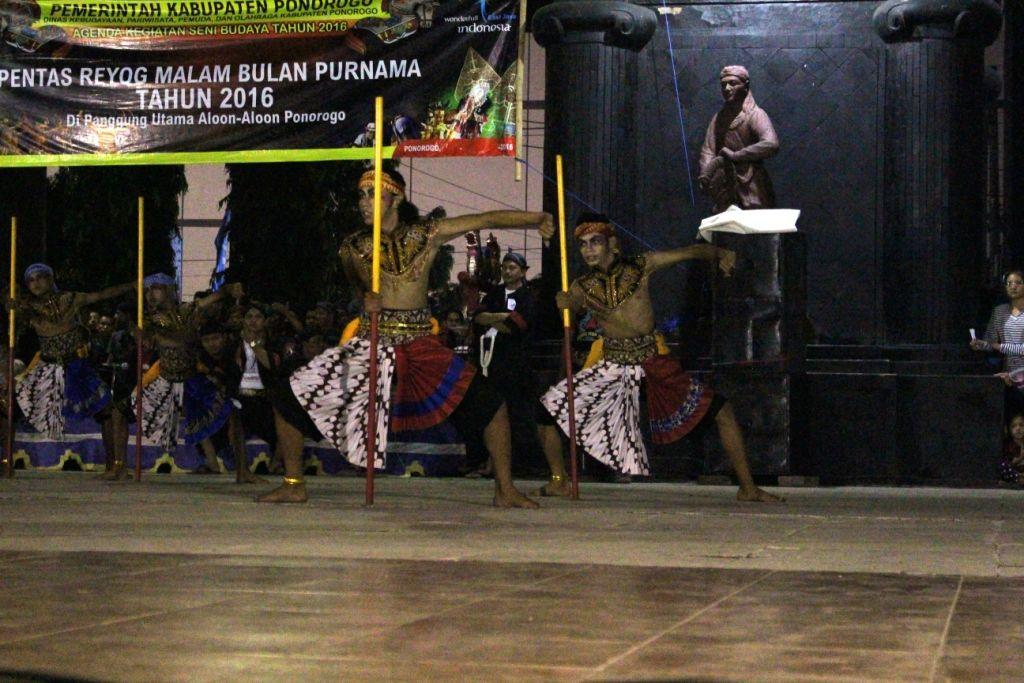 Aloon Ponorogo Malam Bulan Purnama Blog Reyog Liputan Pentas Reog