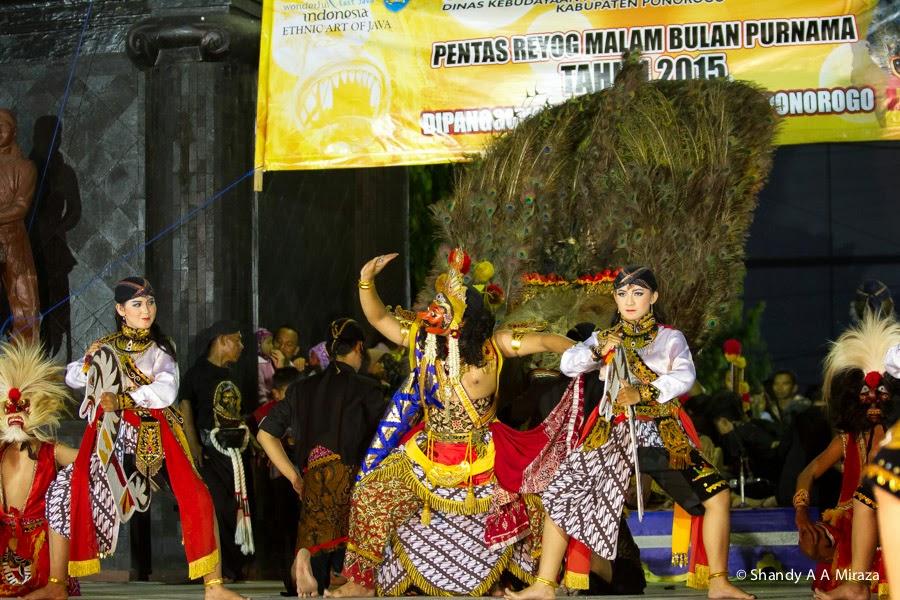 Pariwisata Ponorogo Pentas Reyog Tari Bulan Purnama Panggung Utama Aloon2