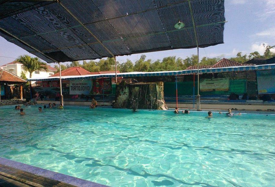 10 Objek Wisata Ponorogo Hits Dikalangan Anak Muda Kolam Renang