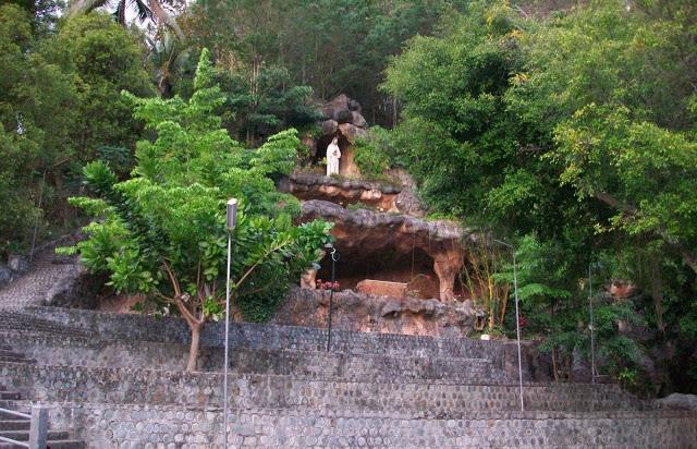 31 Tempat Wisata Ponorogo Wajib Dikunjungi Goa Maria Fatima Reog