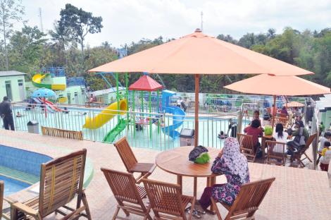 Gita Waterpark Wisata Ponorogo Pulung Kab Wahana Mempunyai Kolam Bertingkat