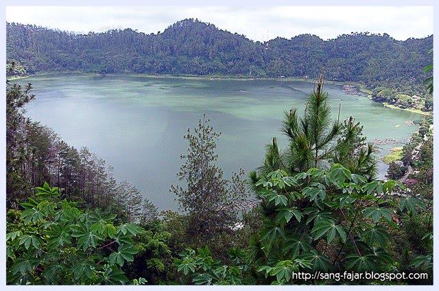 Rendra Esthyanto Blog Mengenal Tempat Wisata Ponorogo Telaga Ngebel Reog