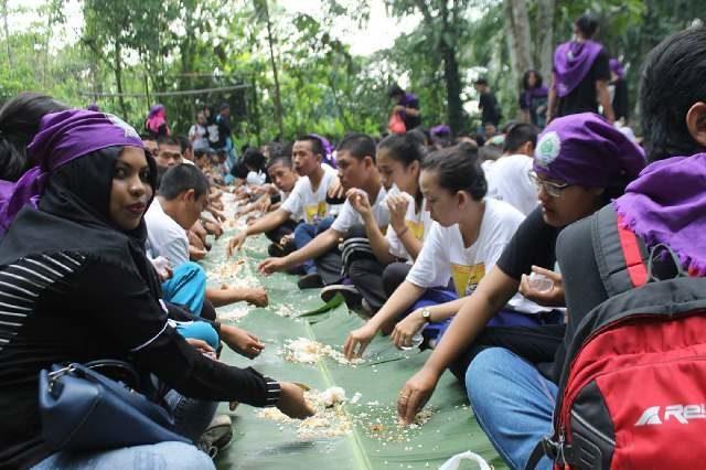 Rayakan Hari Jadi Mahasiswa Fakultas Kehutanan Untan Makan Bersama Ala