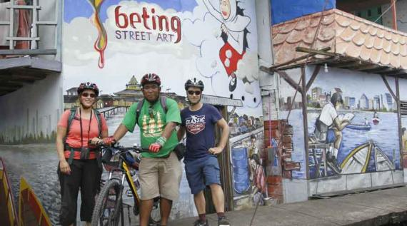 Gali Potensi Sungai Buat Paket Wisata Bike Tour Pontianak Post