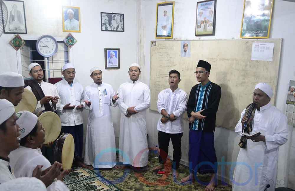 Kharisma Religius Kampung Beting Equator Id Bershalawat Puji Pujian Nabi