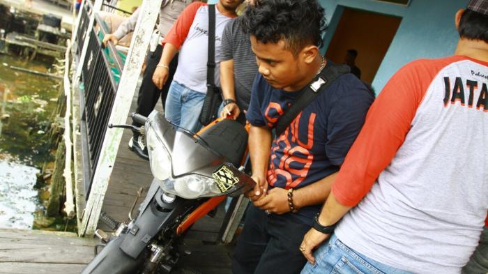 Razia Kampung Beting Tersangka Satu Motor Diamankan 3 20160419 220030