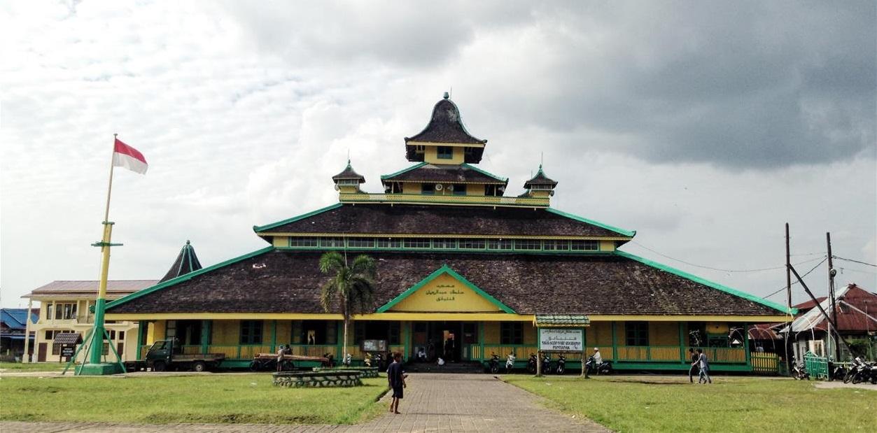 Asal Usul Nama Pontianak Thetanjungpuratimes Foto Masjid Jami Kesultanan Kurniawati