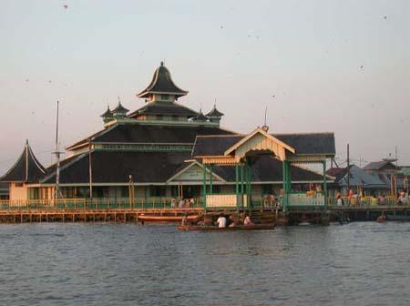 Masjid Jami Pontianak Wikipedia Bahasa Indonesia Ensiklopedia Bebas Keraton Kesultanan