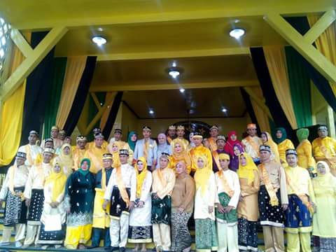 Pontianak Kalimantan Penobatan Pangeran Lstana Kesultanan Kadriah Syarifah Lasmy Alkadrie